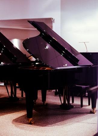grand piano store