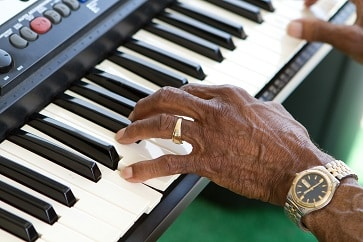 Buy A Keyboard With Lesson Features