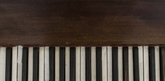 How To Clean A Piano