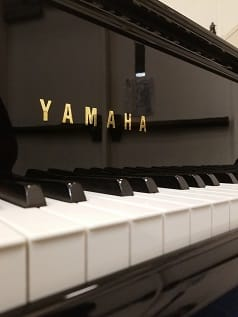 yamaha piano keys